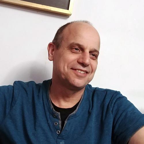 Portrait of Chris Polis - CEO